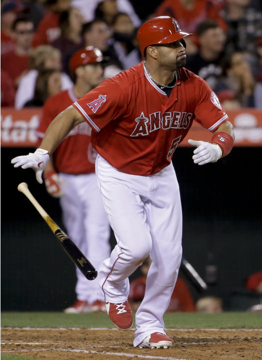 Freese's homer in 7th helps Richards, Angels top Rangers 3-2