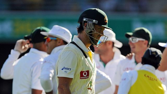Cricket - Aussies left reeling by late Kleinveldt wickets
