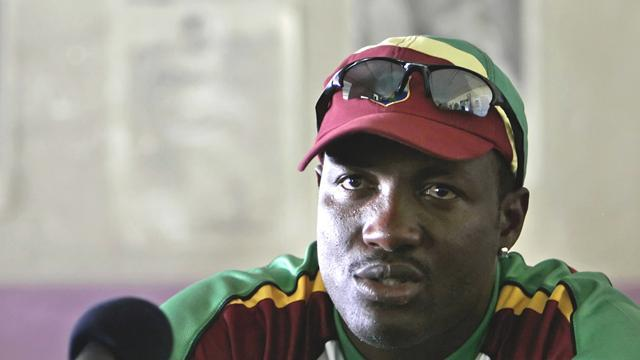 Cricket - Lara: Twenty20 no threat to Tests
