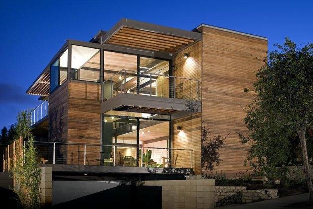 Six fabulous prefab houses yahoo homes for Prefab glass house prices