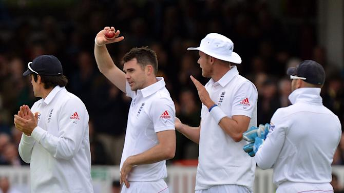 Cricket - Investec Test Series - First Test - Day Two - England v New Zealand - Lord's