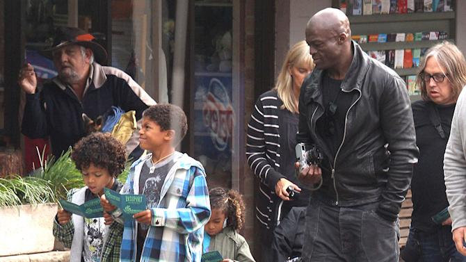 Exclusive - Seal Takes His Kids To Visit Featherdale Wildlife Park In Sydney