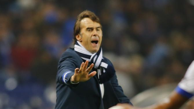 Porto's coach Lopetegui reacts during their Portuguese Premier League soccer match against Sporting at Dragao stadium in Porto