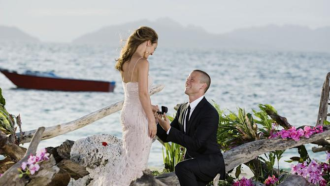 """J.P. proposes to Ashley on the season finale of """"The Bachelorette."""""""