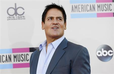 Dallas Mavericks NBA basketball team owner Mark Cuban arrives at the 41st American Music Awards in Los Angeles