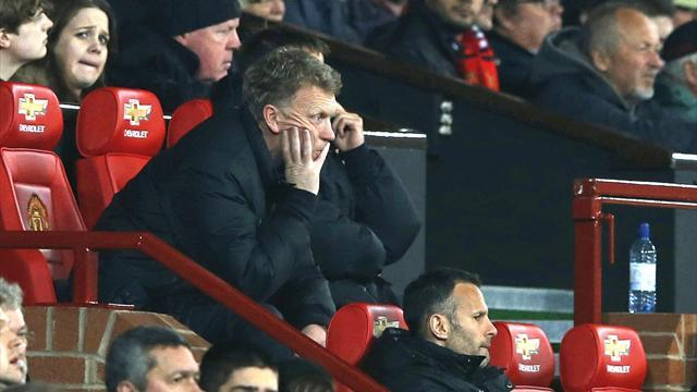 Premier League - Paper Round: Furious United fans turn on Moyes and Ferguson