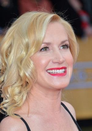 'The Office' Star Angela Kinsey Joins Fox's Rob Riggle Comedy
