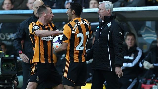 Premier League - Newcastle won't sack Pardew over headbutt