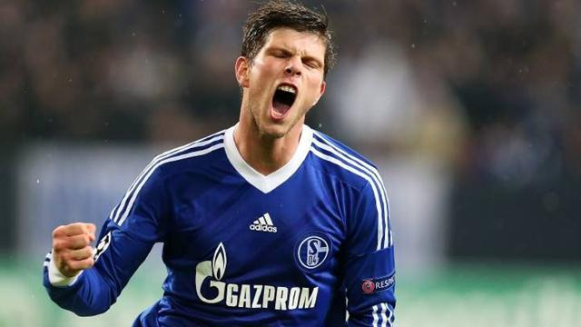 Bundesliga - Schalke concern over Hunterlaar eye condition
