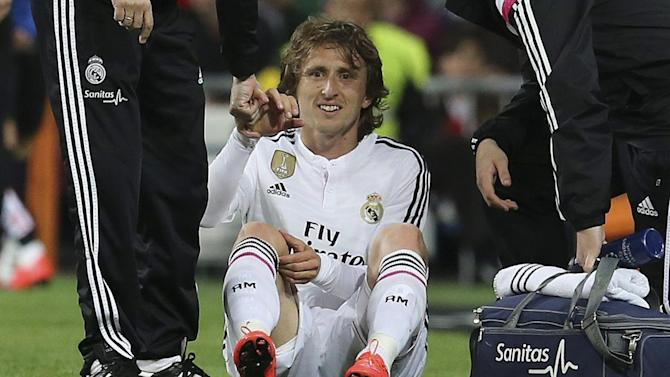 Liga - Luka Modric ruled out for six weeks with knee ligament damage