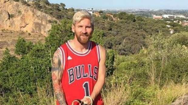 Messi 'signs' for Chicago Bulls