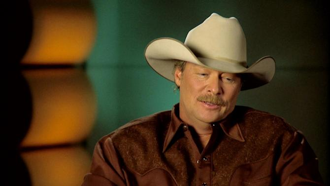 "Alan Jackson Interview - ""As She's Walking Away"" (Zac Brown Band)"