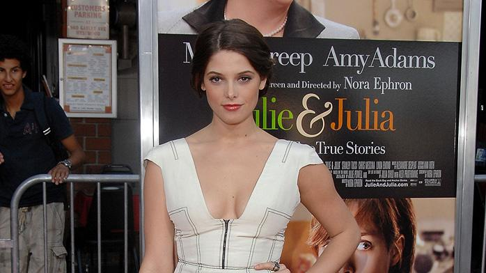 Julie and Julia LA Premiere 2009 Ashley Greene