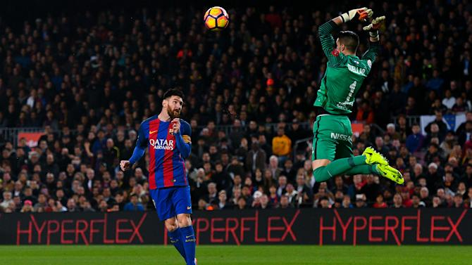 Barca back among the goals, but defensive problems persist