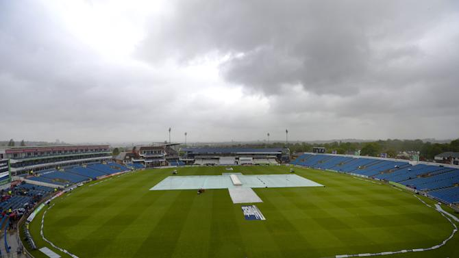 Cricket - Investec Test Series - Second Test - England v New Zealand - Day One - Headingley
