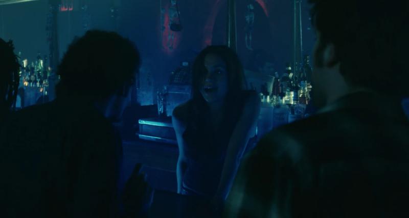 <p>二、《記得我》Remember Me,2010:梅根馬克爾在片中飾演一位酒保,同樣也叫梅根,並為羅伯派汀森和泰特艾靈頓提供服務。 </p>