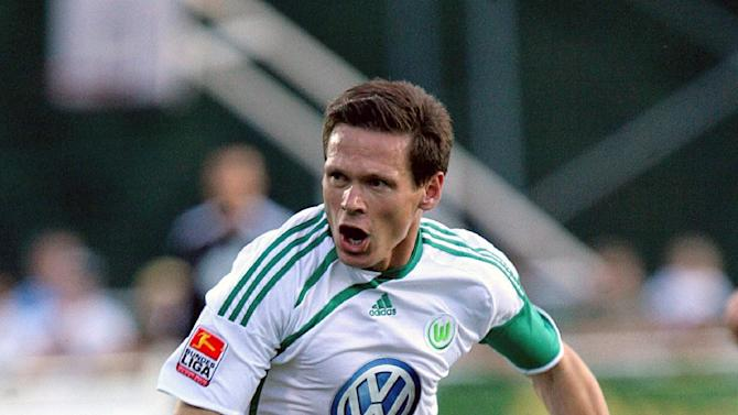 Fulham snap up Cologne defender Sascha Riether on loan deal