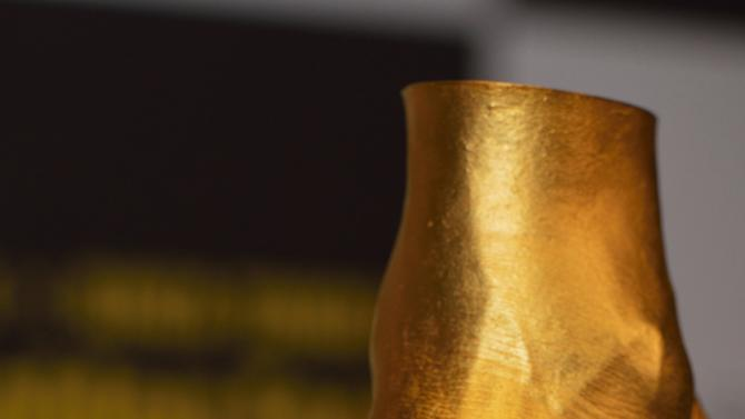 500-Million-Yen Golden Statue Of Leo Messi Left Foot Go On Sale