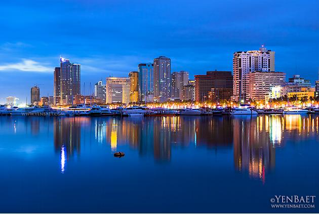The Roxas Boulevard skyline in the early evening. (Yen Baet)