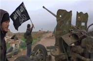 Syria rebels 'seize key Aleppo army base'