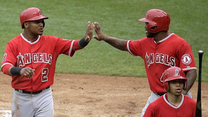 Angels stay hot, beat Royals 6-2