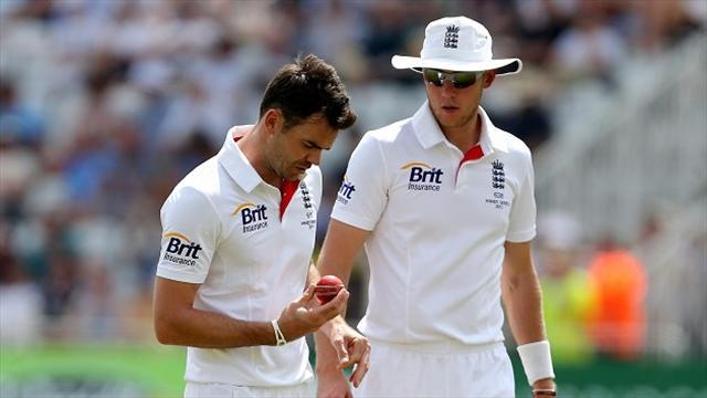 Ashes - Anderson backs Broad to handle flak