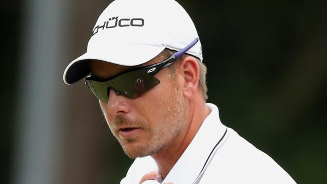 Golf - Stenson in three-way tie for Turkish lead, Woods six back