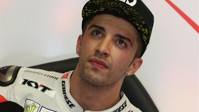 Motorcycling - Iannone tops rain-hit second practice