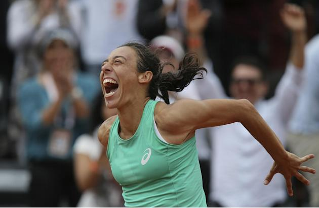 Unlike Sisyphus, Schiavone gets to top of mountain in Paris