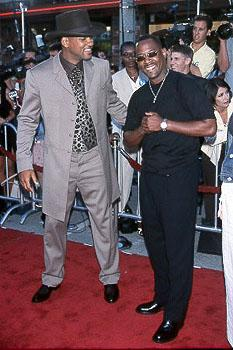 """Premiere: The Fresh Prince gettin' jiggy with his """"Bad Boys"""" buddy Martin Lawrence at the LA premiere for Wild Wild West"""