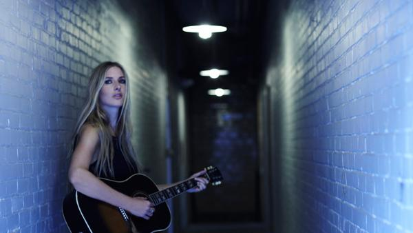 Holly Williams Follows Family's Americana Tradition on 'The Highway'