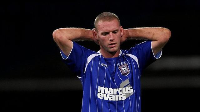 League One - Drury signs from Ipswich