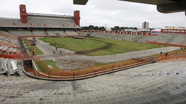 Labourers work at the Arena da Baixada Stadium, during its renovations for the 2014 World Cup, in Curitiba June 12, 2012 (Reuters)