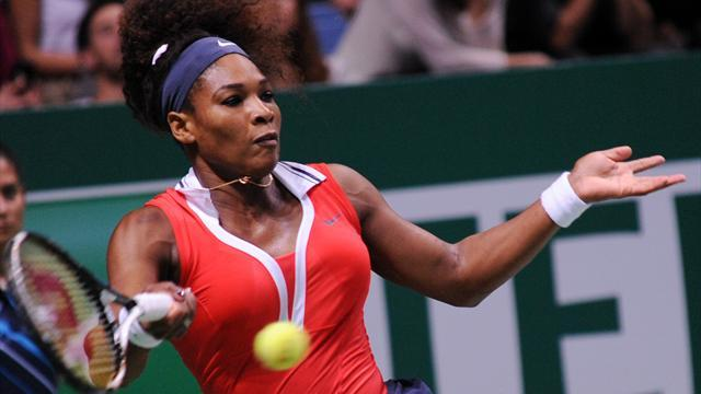 WTA Championships - Williams downs Azarenka, Li and Errani also win