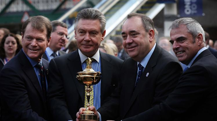 Golf - 2014 Ryder Cup Year to Go Celebrations - Day One - Edinburgh Waverley Station