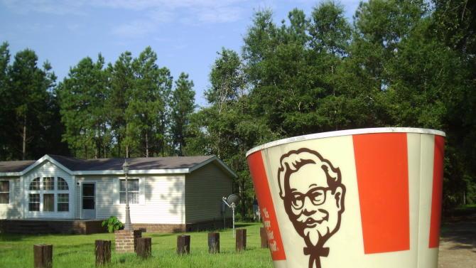 Giant Kentucky Fried Chicken Bucket Turns Up in Georgia Woman's Yard