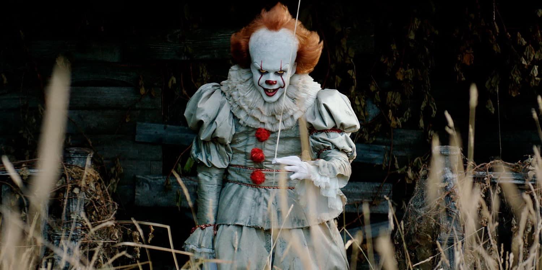 <p>五、比爾史柯斯嘉(Bill Skarsgard):在改編自史蒂芬金筆下驚悚小說的《牠》中演出小丑一角,並以此一戰成名的瑞典男演員比爾史柯斯嘉,儘管在《牠》片中完全看不出本尊外型,卻也因此讓不少看完電影的觀眾對他深感好奇。事實上,比爾史柯斯嘉是一位現年二十九歲的美型男,擁有一雙深邃雙眼,今年在《牠》中的出色演技顯然已經讓他躍升一線紅星,而《牠》續集也確定會在2019年問世,相信比爾史柯斯嘉接下來的星路將一路平坦。(圖片來源:《牠》劇照) </p>