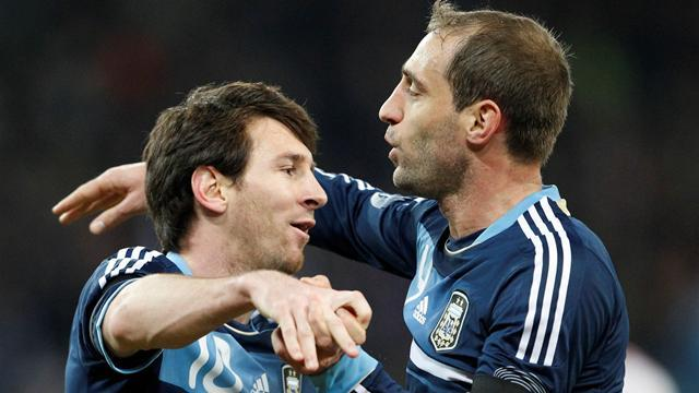 Liga - Zabaleta invites Messi for fish and chips in Didsbury