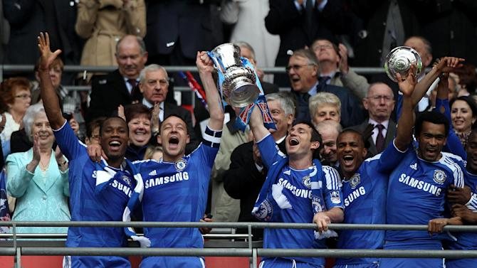 John Terry (second left) and Frank Lampard (centre)