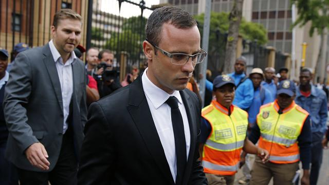 Pistorius case - Pistorius reads Steenkamp's Valentines card to court