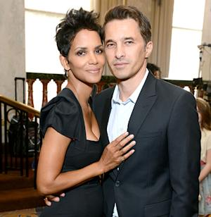Halle Berry Marries Olivier Martinez in French Wedding!
