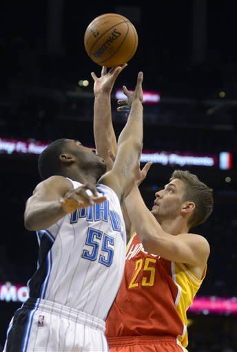 Rockets rally in 4th to outlast Magic, 118-110