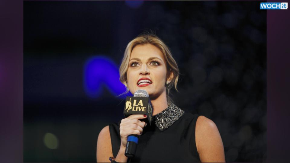 Erin Andrews's Tongue Becomes The Topic Of Conversation During A Playoff Game