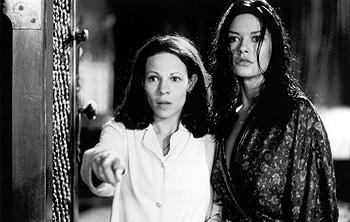 Lili Taylor and Catherine Zeta-Jones in The Haunting