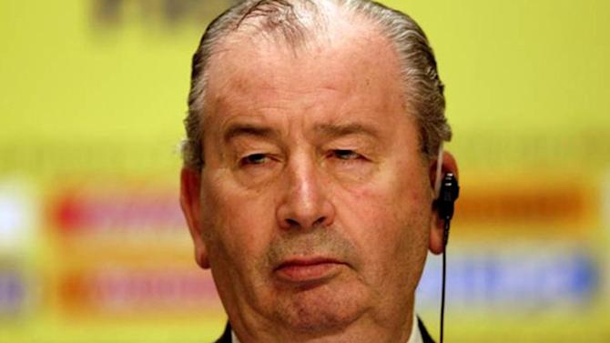 World Cup - Argentine FA chief Grondona dies