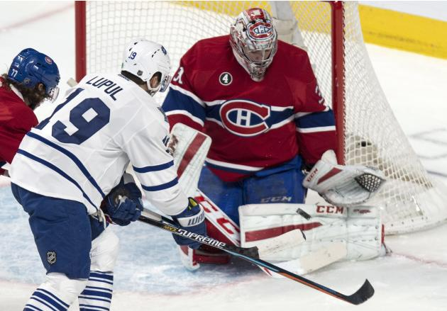 Desharnais scores 2 goals in Canadiens' 4-0 win over Toronto