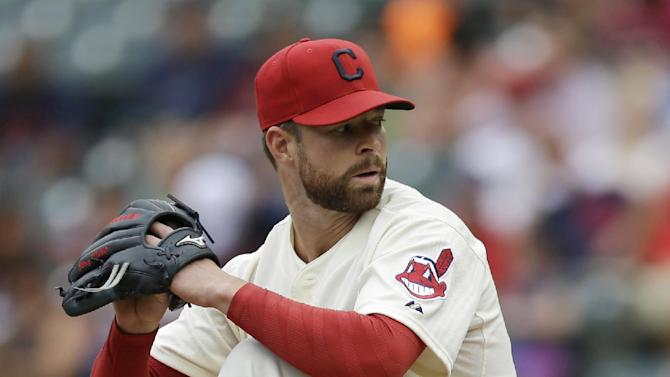 Indians' Kluber dominates Royals in 4-1 win
