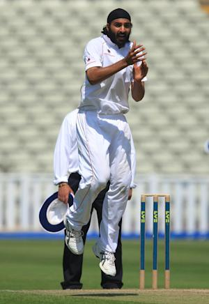 Monty Panesar took his wicket total to 10 for the match on Sunday