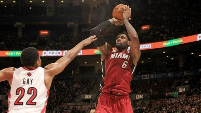 NBA - Heat scorch Raptors for 22nd consecutive win