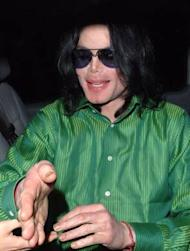 Michael Jackson's beating heart could be seen through his pale skin, court hears
